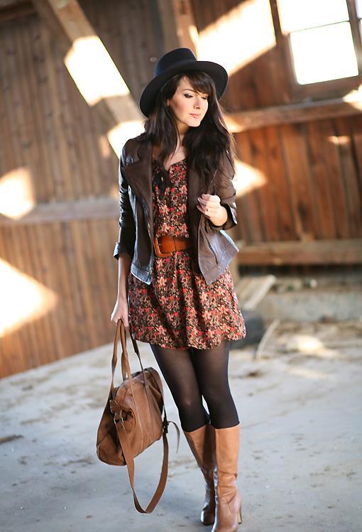 le style hippie revient en force robe mode. Black Bedroom Furniture Sets. Home Design Ideas